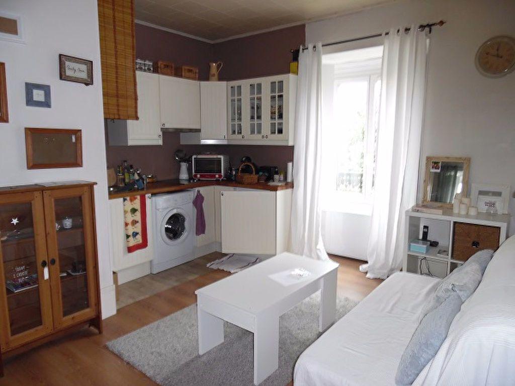 Appartement à louer 2 29m2 à Montgeron vignette-1