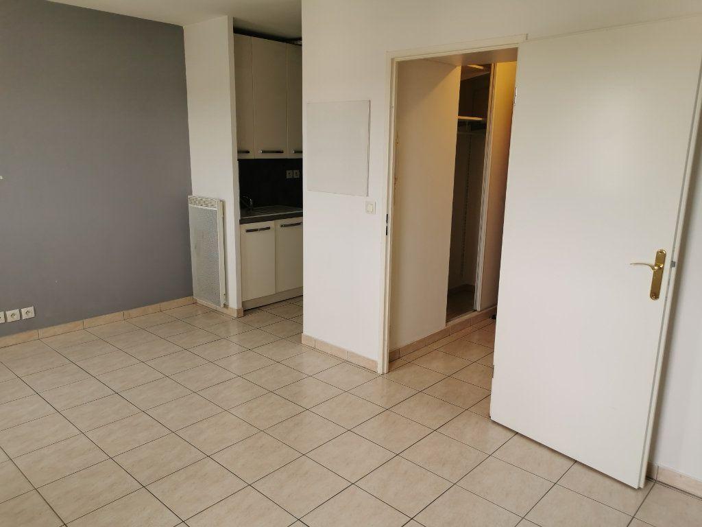 Appartement à louer 1 28.72m2 à Vigneux-sur-Seine vignette-3