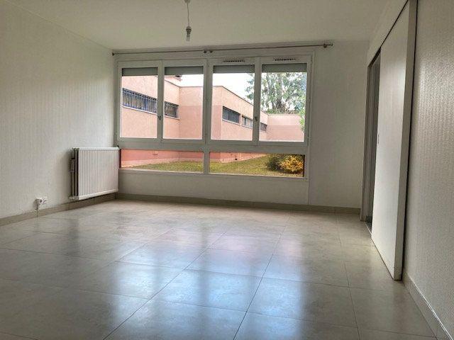 Appartement à louer 4 78.71m2 à Crosne vignette-1
