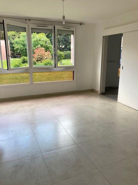 Appartement à louer 4 78.71m2 à Crosne vignette-2
