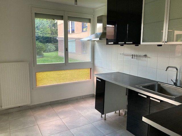 Appartement à louer 4 78.71m2 à Crosne vignette-4