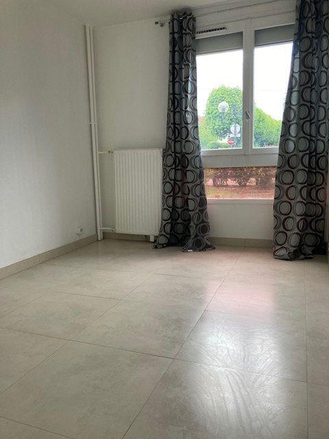 Appartement à louer 4 78.71m2 à Crosne vignette-6