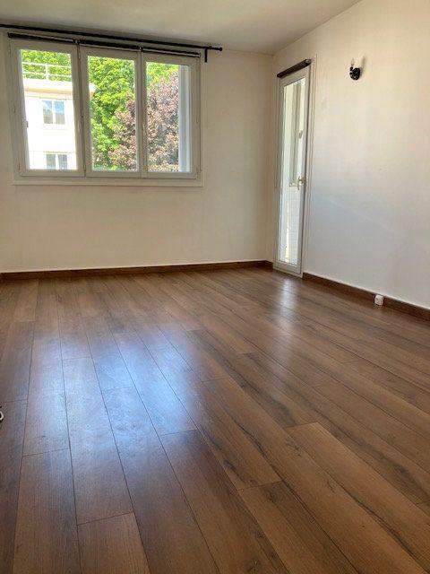 Appartement à louer 4 64.29m2 à Crosne vignette-2
