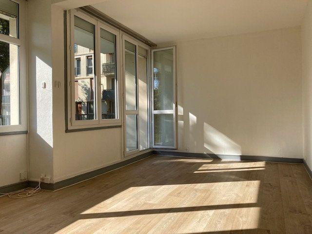 Appartement à louer 2 51.34m2 à Crosne vignette-1