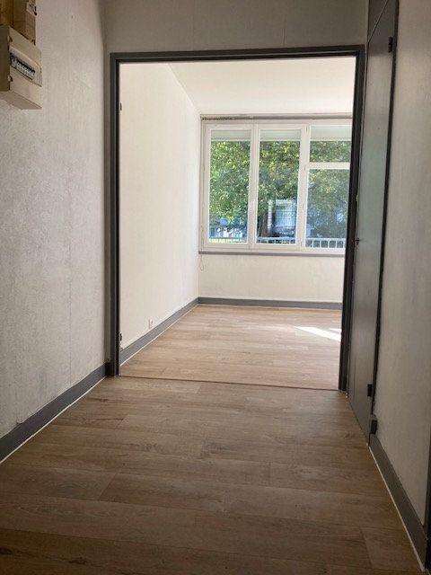 Appartement à louer 2 51.34m2 à Crosne vignette-3