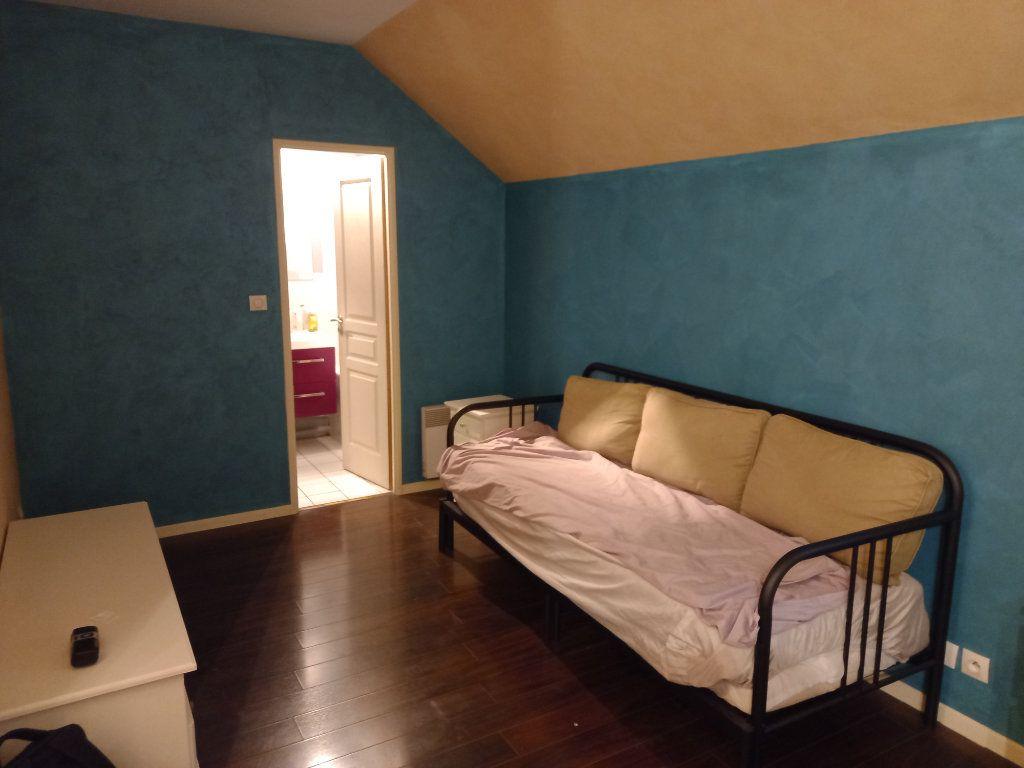 Appartement à louer 1 32.6m2 à Yerres vignette-1