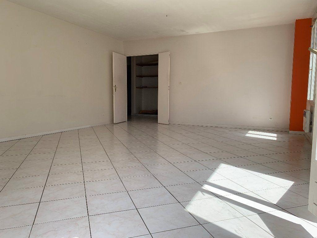 Appartement à vendre 5 88m2 à Montlhéry vignette-2