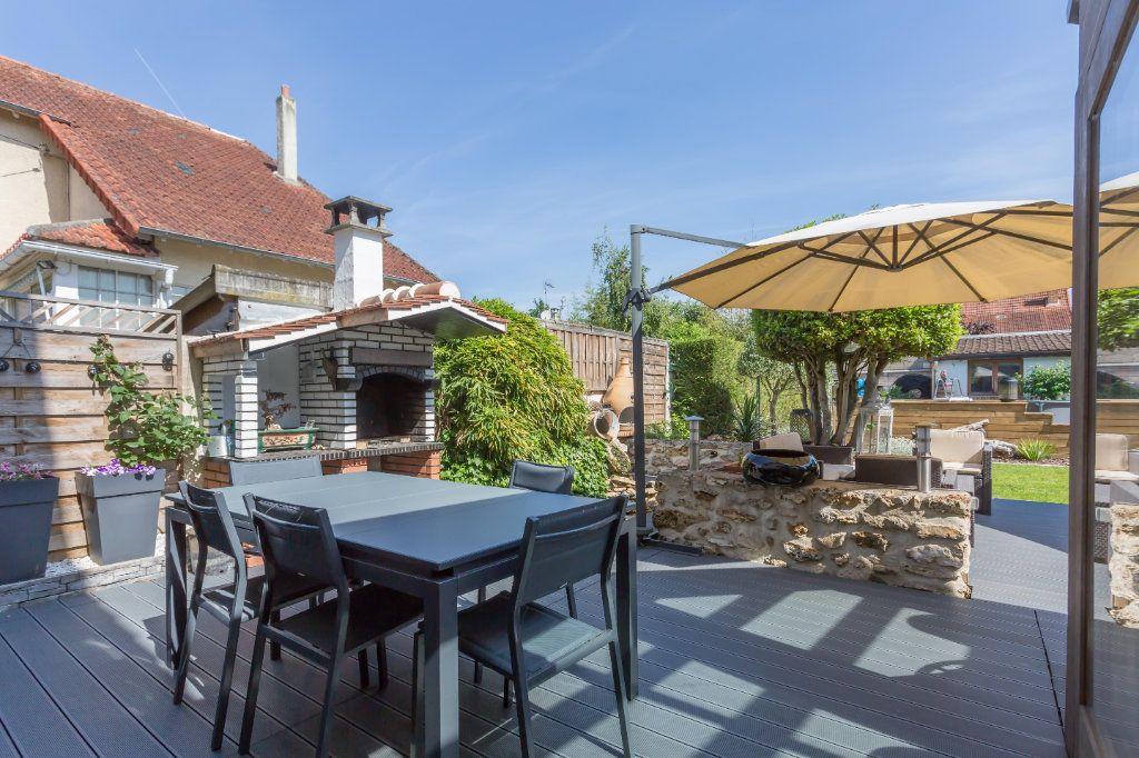 Maison à vendre 7 145m2 à Sainte-Geneviève-des-Bois vignette-2