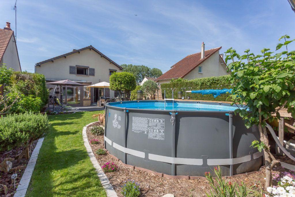 Maison à vendre 7 145m2 à Sainte-Geneviève-des-Bois vignette-4