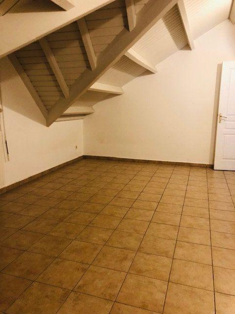 Appartement à louer 4 81m2 à Petit-Bourg vignette-5