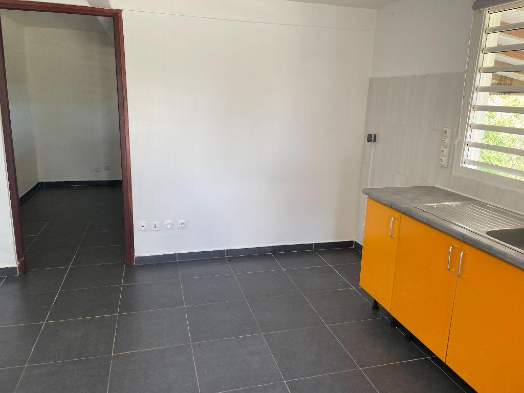 Appartement à louer 2 67m2 à Le Gosier vignette-4