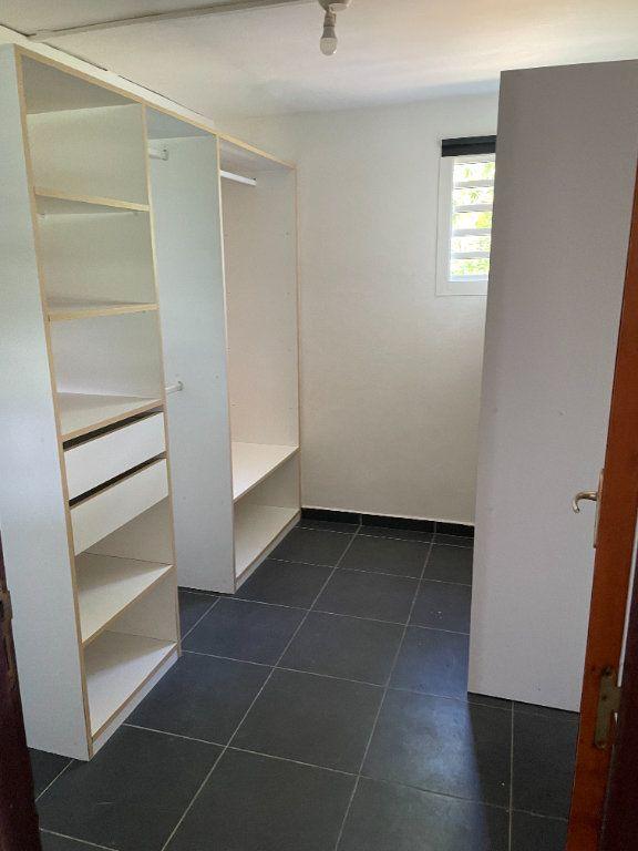 Appartement à louer 2 67m2 à Le Gosier vignette-5