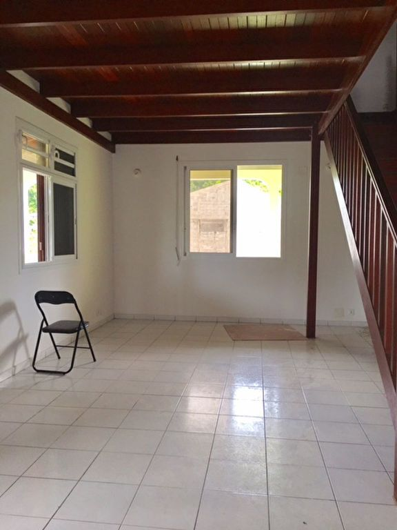 Appartement à louer 4 120m2 à Morne-à-l'Eau vignette-1