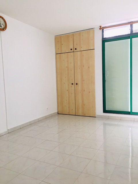 Appartement à louer 3 86.1m2 à Pointe-à-Pitre vignette-3