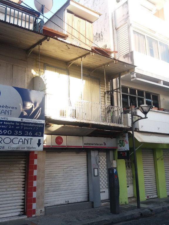 Immeuble à vendre 0 140m2 à Pointe-à-Pitre vignette-3