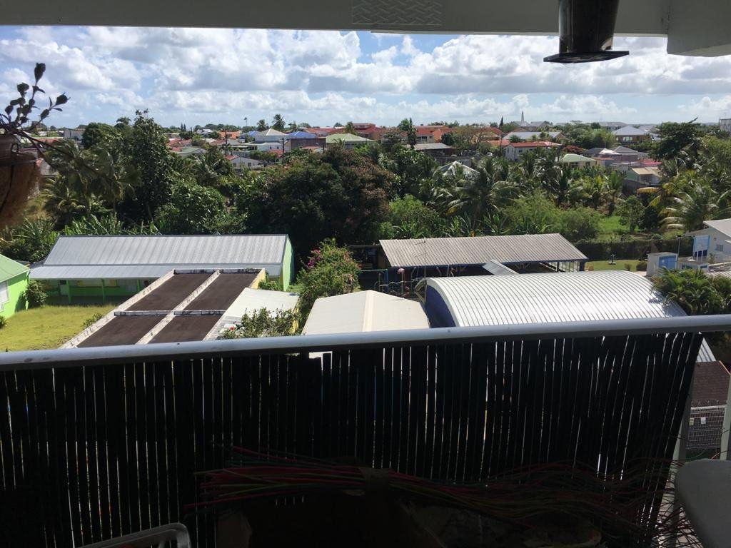 Appartement à vendre 3 62m2 à Baie-Mahault vignette-3
