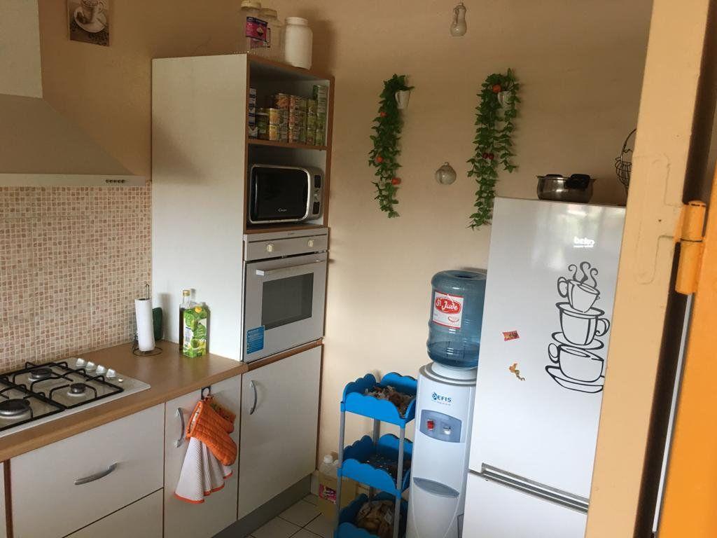 Appartement à vendre 3 62m2 à Baie-Mahault vignette-5
