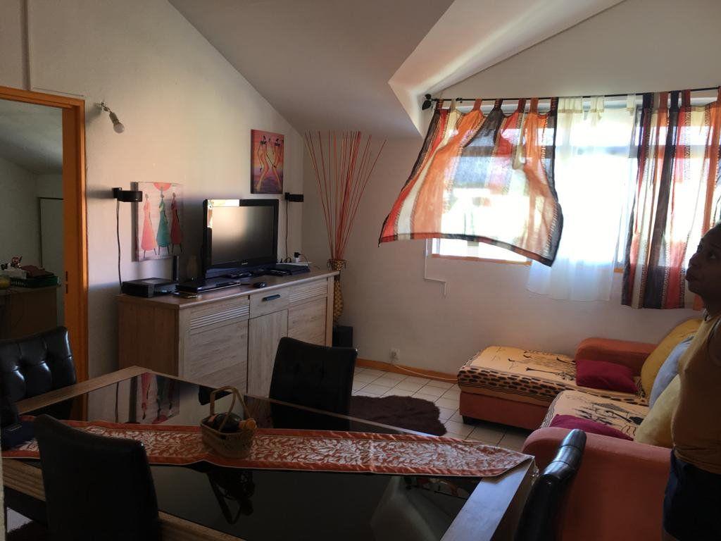 Appartement à vendre 3 62m2 à Baie-Mahault vignette-7