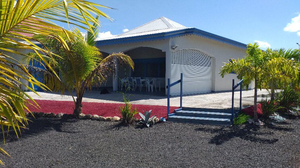 Maison à vendre 4 104m2 à Port-Louis vignette-1