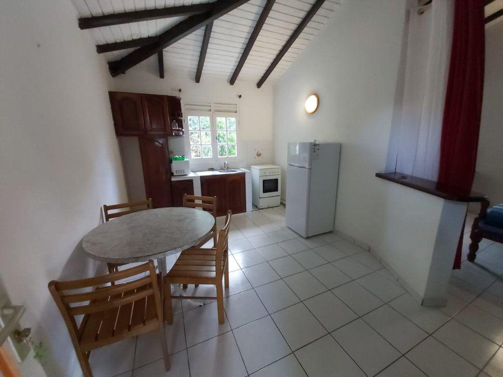 Maison à vendre 8 120m2 à Lamentin vignette-5