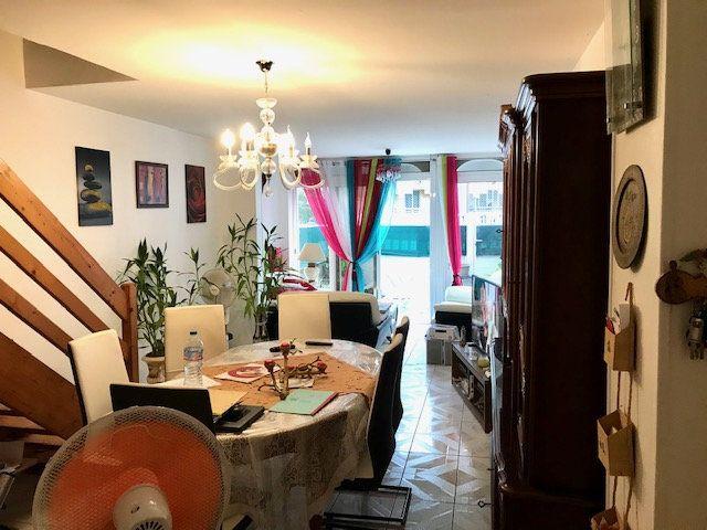 Maison à vendre 4 95m2 à Petit-Bourg vignette-2