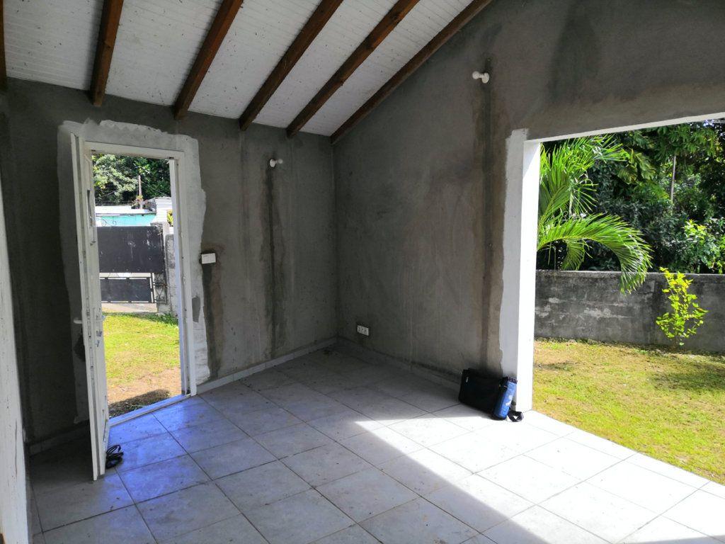 Maison à vendre 3 60m2 à Sainte-Rose vignette-5