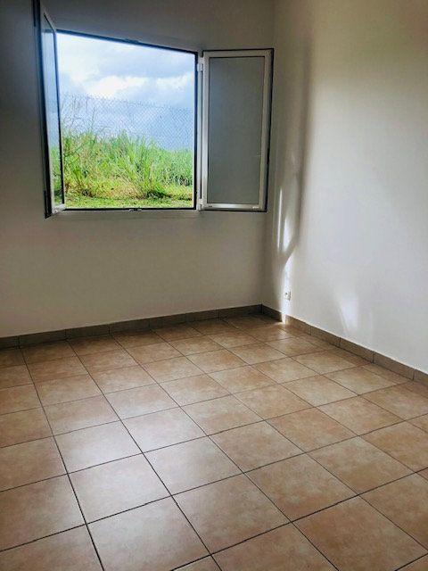 Appartement à louer 3 65.64m2 à Baie-Mahault vignette-4