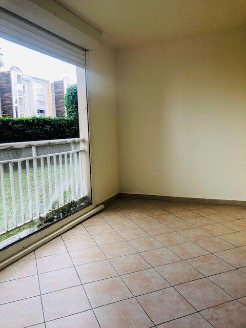 Appartement à louer 3 65.64m2 à Baie-Mahault vignette-5