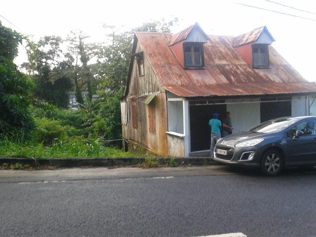 Maison à vendre 5 0m2 à Basse-Terre vignette-3