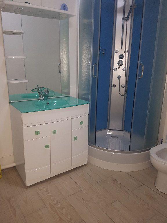Appartement à vendre 4 75.9m2 à Pointe-à-Pitre vignette-3