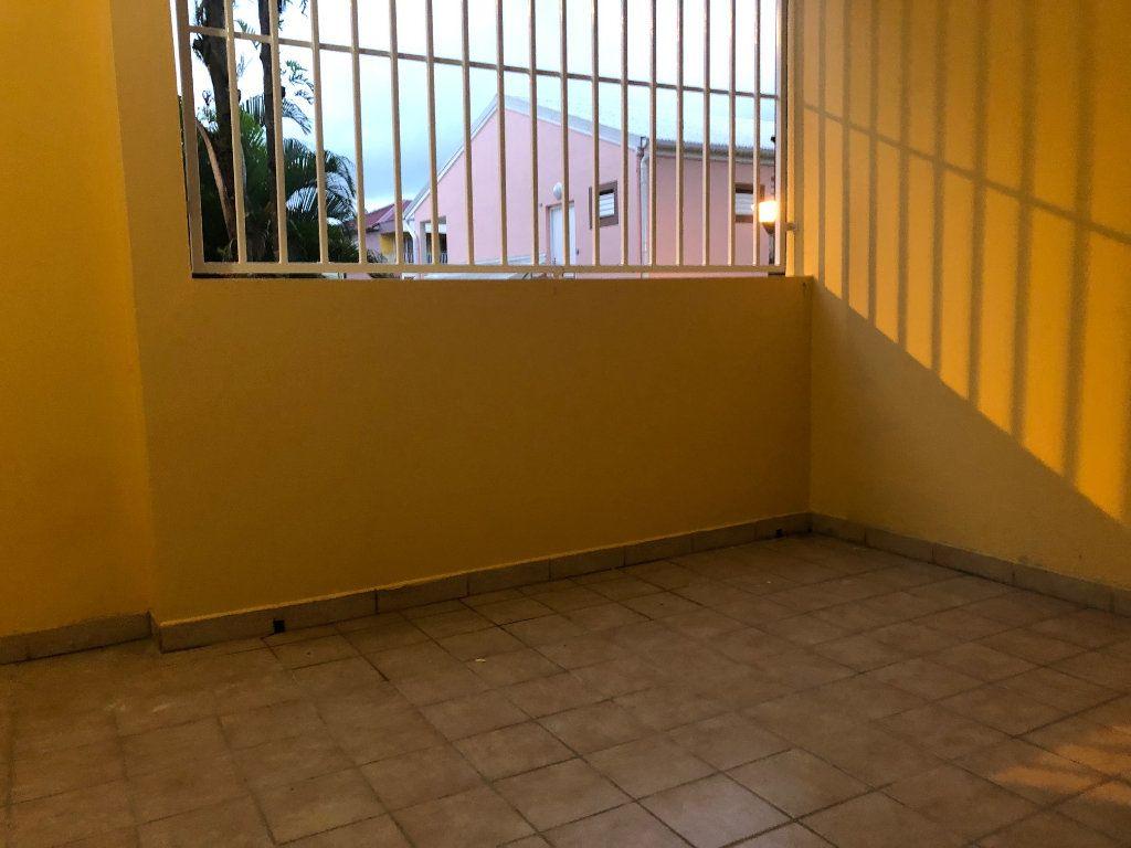 Appartement à louer 2 50.78m2 à Sainte-Rose vignette-2