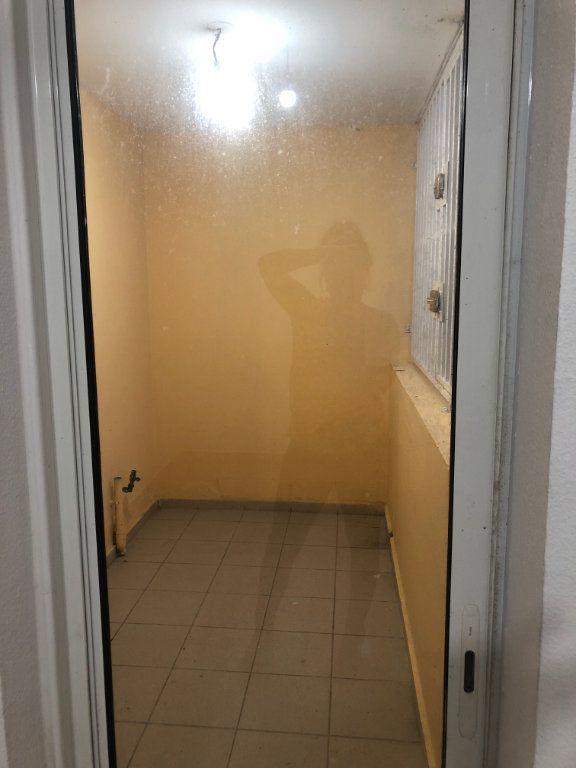 Appartement à louer 2 50.78m2 à Sainte-Rose vignette-5