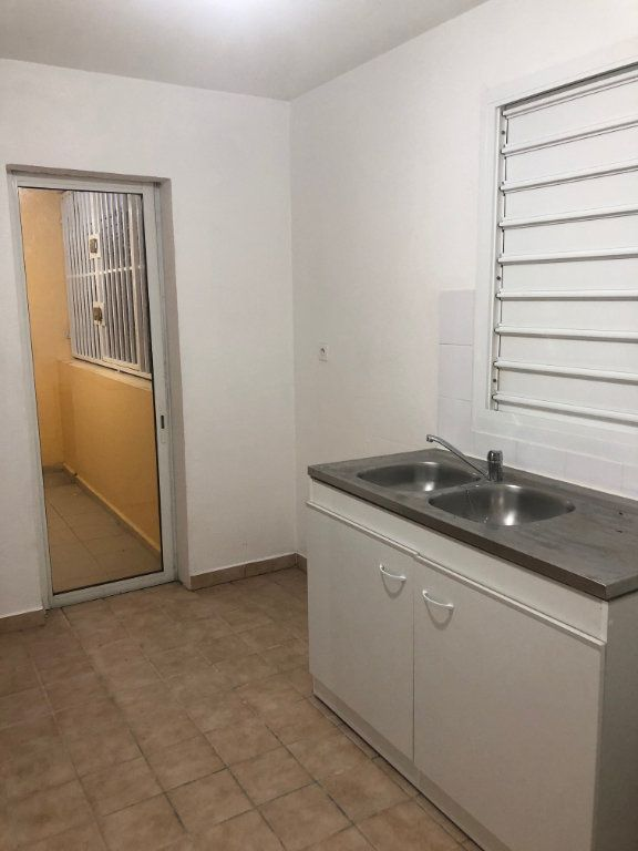 Appartement à louer 2 50.78m2 à Sainte-Rose vignette-7