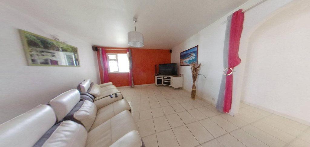 Maison à louer 5 190m2 à Lamentin vignette-9