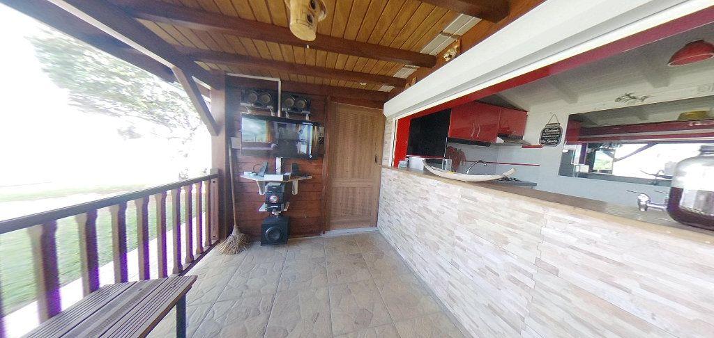 Maison à louer 5 190m2 à Lamentin vignette-16