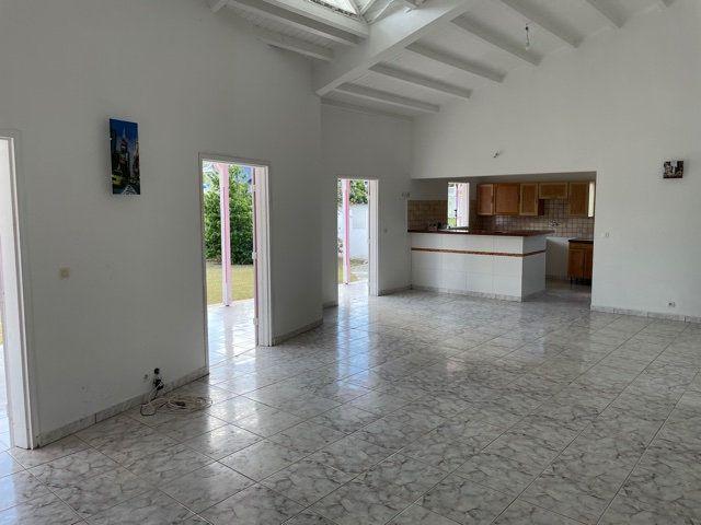 Maison à louer 4 130m2 à Anse-Bertrand vignette-2