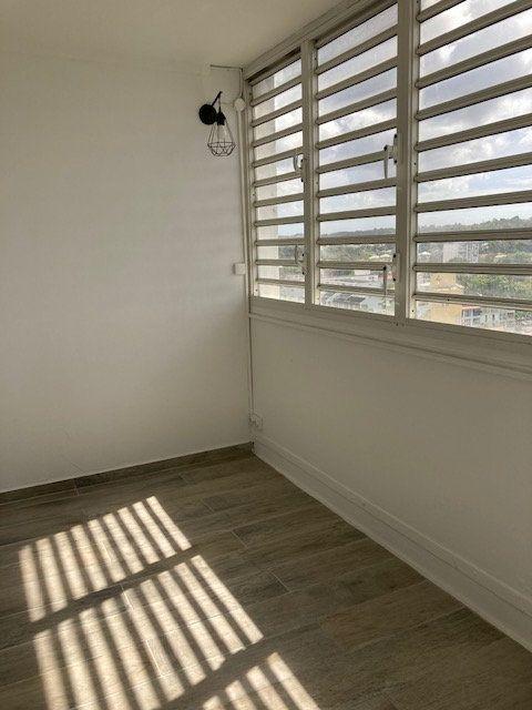Appartement à vendre 3 80m2 à Les Abymes vignette-1