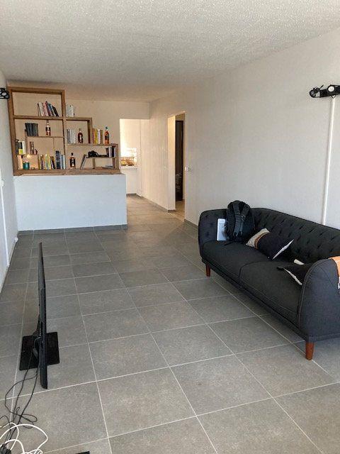Appartement à vendre 3 80m2 à Les Abymes vignette-2