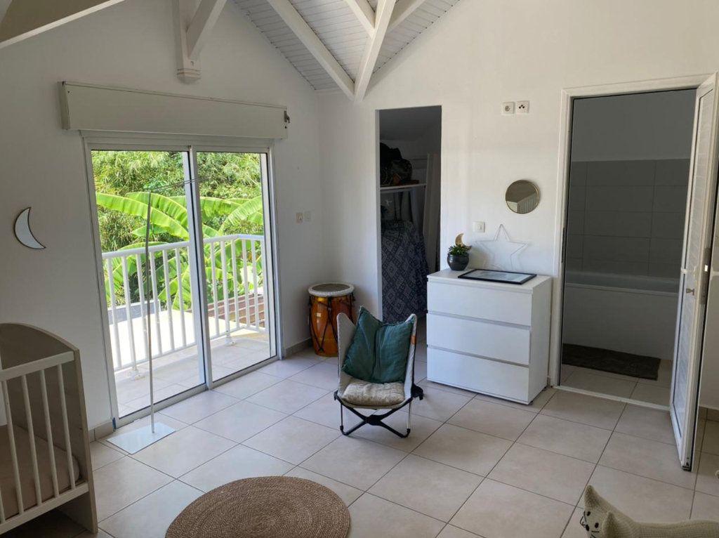 Maison à vendre 4 115.65m2 à Petit-Bourg vignette-4