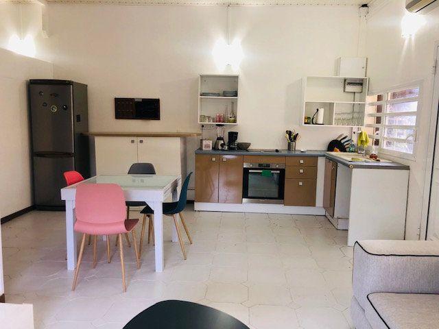 Appartement à louer 3 60.21m2 à Le Gosier vignette-2