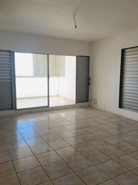 Appartement à louer 4 90m2 à Les Abymes vignette-4