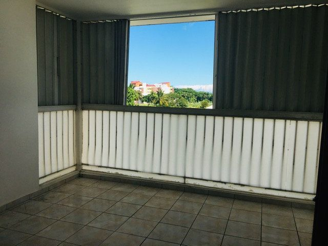 Appartement à louer 4 90m2 à Les Abymes vignette-5