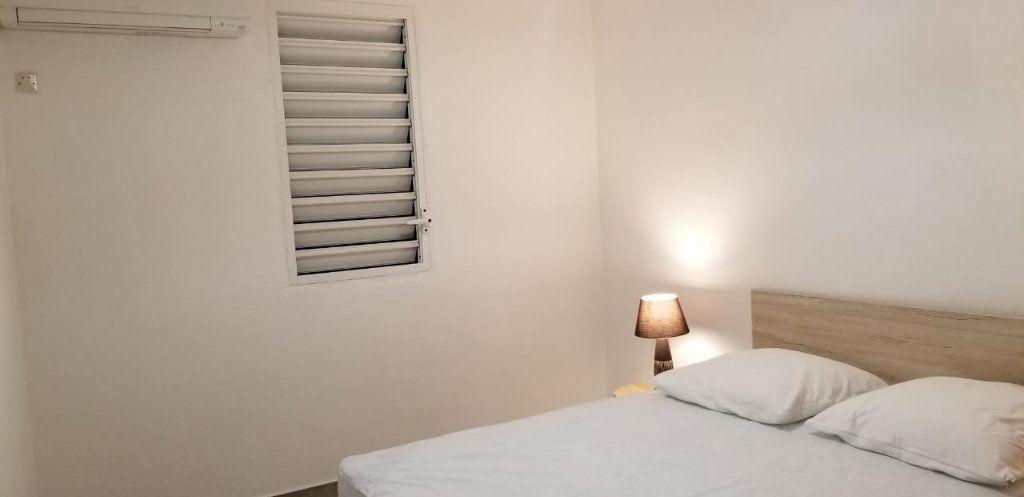 Appartement à louer 3 60.08m2 à Le Gosier vignette-8