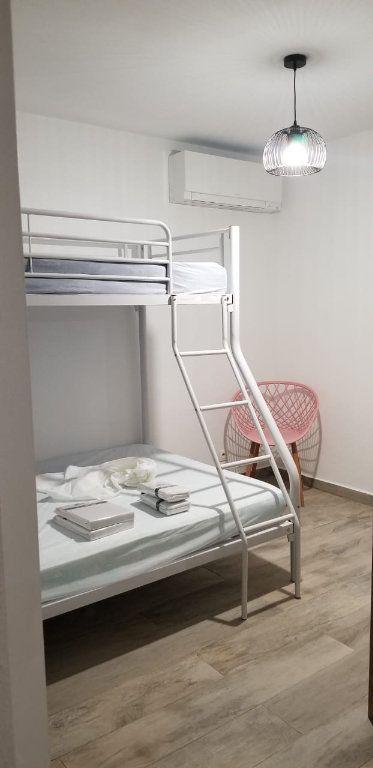 Appartement à louer 3 60.08m2 à Le Gosier vignette-9