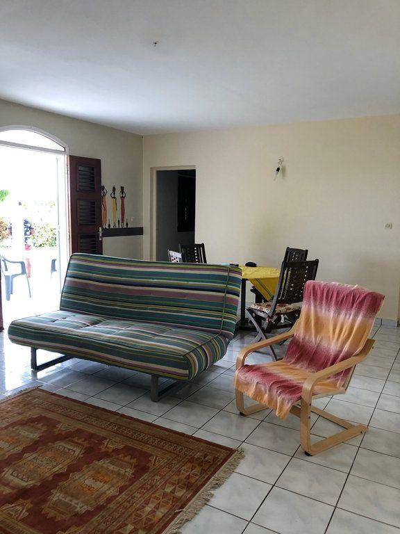 Appartement à louer 3 68m2 à Sainte-Rose vignette-3