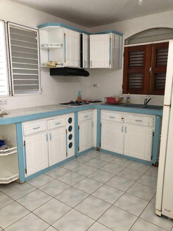 Appartement à louer 3 68m2 à Sainte-Rose vignette-4