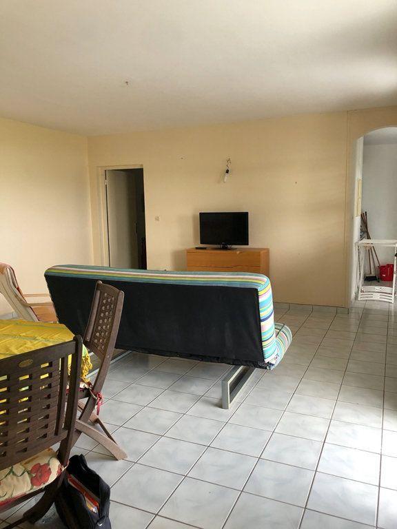 Appartement à louer 3 68m2 à Sainte-Rose vignette-5