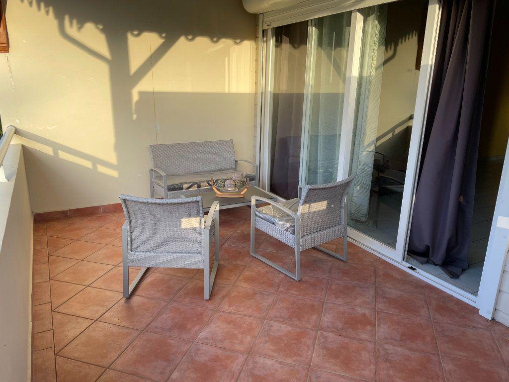 Appartement à louer 2 40.8m2 à Goyave vignette-1