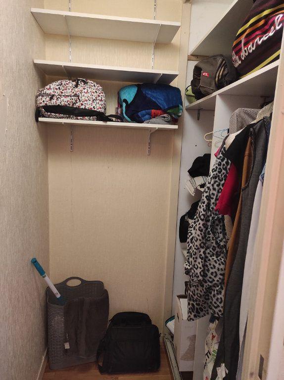 Appartement à louer 1 32m2 à Le Plessis-Trévise vignette-4