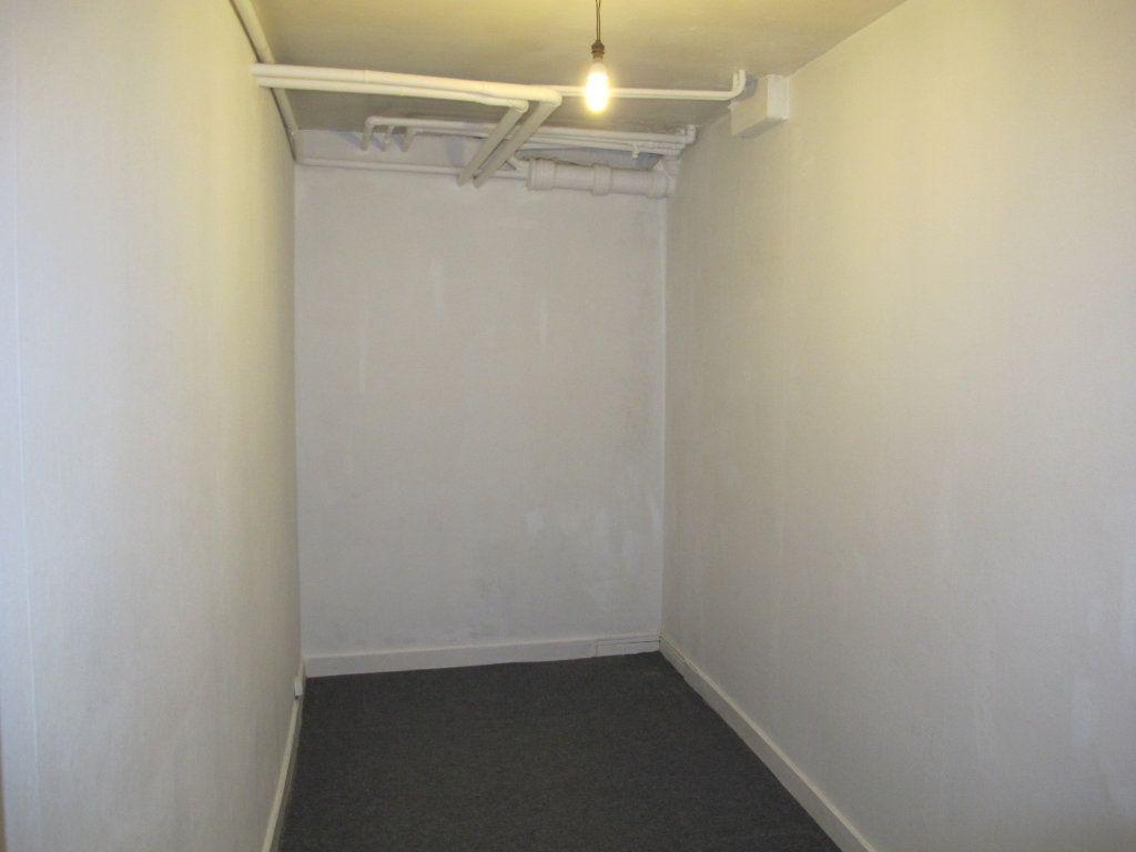 Appartement à louer 1 31.3m2 à Chennevières-sur-Marne vignette-5
